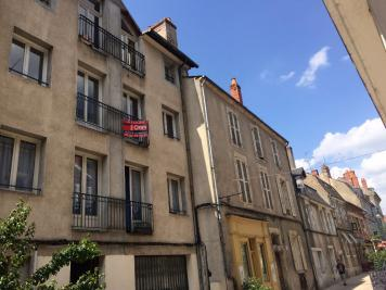 Location appartement Nevers • <span class='offer-area-number'>143</span> m² environ • <span class='offer-rooms-number'>6</span> pièces