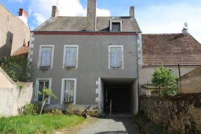 Vente maison Chateaumeillant • <span class='offer-area-number'>145</span> m² environ • <span class='offer-rooms-number'>7</span> pièces