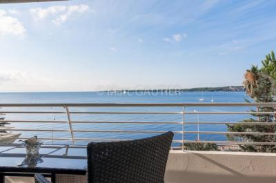 Vente appartement Cannes • <span class='offer-area-number'>165</span> m² environ • <span class='offer-rooms-number'>4</span> pièces