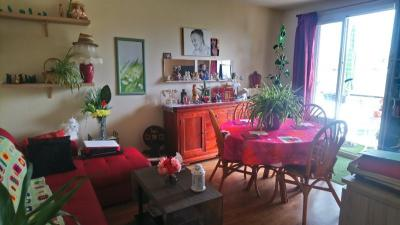 Achat appartement Chateauroux • <span class='offer-area-number'>68</span> m² environ • <span class='offer-rooms-number'>4</span> pièces