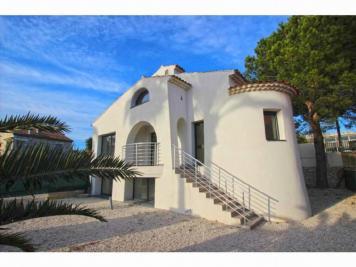 Vente maison Cagnes sur Mer • <span class='offer-area-number'>305</span> m² environ • <span class='offer-rooms-number'>7</span> pièces