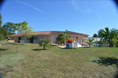 Vente maison Le Vigan • <span class='offer-area-number'>185</span> m² environ • <span class='offer-rooms-number'>6</span> pièces