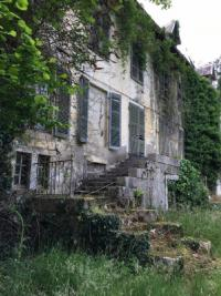 Vente château Sauveterre de Bearn • <span class='offer-area-number'>1 500</span> m² environ • <span class='offer-rooms-number'>31</span> pièces