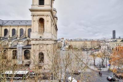 Appartement Paris 06 • <span class='offer-area-number'>198</span> m² environ • <span class='offer-rooms-number'>6</span> pièces