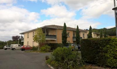 Location appartement Castillon-la-Bataille • <span class='offer-area-number'>38</span> m² environ • <span class='offer-rooms-number'>2</span> pièces