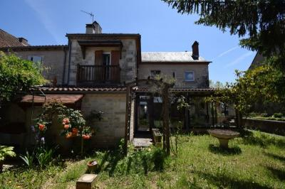Maison Labastide Murat • <span class='offer-area-number'>175</span> m² environ • <span class='offer-rooms-number'>7</span> pièces