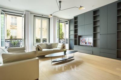 Appartement Paris 06 • <span class='offer-area-number'>87</span> m² environ • <span class='offer-rooms-number'>4</span> pièces