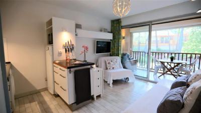 Vente appartement Sanary sur Mer • <span class='offer-area-number'>23</span> m² environ • <span class='offer-rooms-number'>1</span> pièce