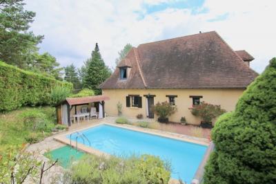 Vente maison Le Bugue • <span class='offer-area-number'>170</span> m² environ • <span class='offer-rooms-number'>5</span> pièces