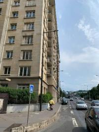 Location appartement Boulogne Billancourt • <span class='offer-area-number'>61</span> m² environ • <span class='offer-rooms-number'>3</span> pièces