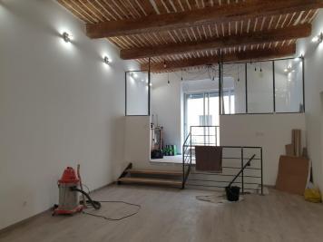 Achat loft Marseille 05 • <span class='offer-area-number'>70</span> m² environ • <span class='offer-rooms-number'>2</span> pièces
