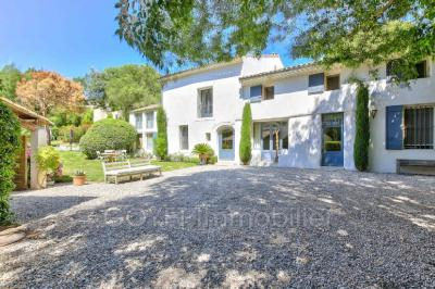 Achat ferme Aix en Provence • <span class='offer-area-number'>270</span> m² environ • <span class='offer-rooms-number'>8</span> pièces