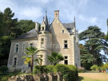 Vente château Angers • <span class='offer-area-number'>450</span> m² environ • <span class='offer-rooms-number'>14</span> pièces