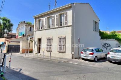 Immeuble Marseille 13 • <span class='offer-area-number'>100</span> m² environ • <span class='offer-rooms-number'>5</span> pièces