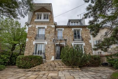Achat maison St Maur des Fosses • <span class='offer-area-number'>280</span> m² environ • <span class='offer-rooms-number'>10</span> pièces