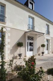 Achat maison Tours • <span class='offer-area-number'>700</span> m² environ • <span class='offer-rooms-number'>14</span> pièces