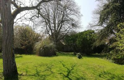 Vente terrain Louverne • <span class='offer-area-number'>1 000</span> m² environ