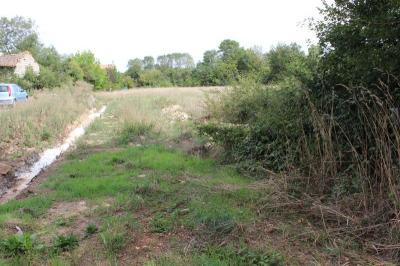 Vente terrain Prahecq • <span class='offer-area-number'>1 497</span> m² environ