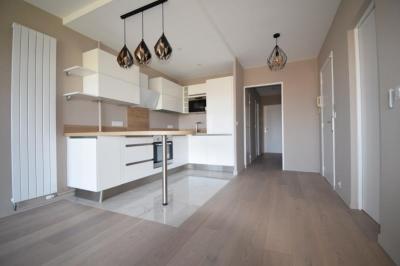 Appartement Mandelieu la Napoule • <span class='offer-area-number'>69</span> m² environ • <span class='offer-rooms-number'>3</span> pièces