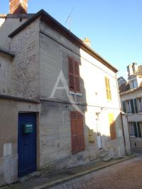 Vente appartement Magny en Vexin • <span class='offer-area-number'>36</span> m² environ • <span class='offer-rooms-number'>2</span> pièces