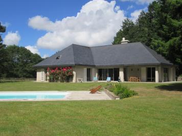 Achat maison Vigneux de Bretagne • <span class='offer-area-number'>230</span> m² environ • <span class='offer-rooms-number'>8</span> pièces