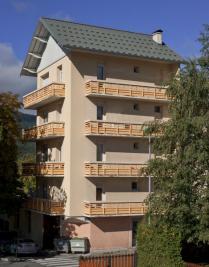 Location appartement St Bonnet en Champsaur • <span class='offer-area-number'>107</span> m² environ • <span class='offer-rooms-number'>5</span> pièces