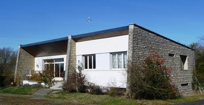 Achat maison La Guerche sur l Aubois • <span class='offer-area-number'>150</span> m² environ • <span class='offer-rooms-number'>6</span> pièces