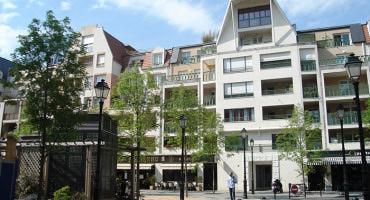 Achat commerce St Maur des Fosses • <span class='offer-area-number'>130</span> m² environ