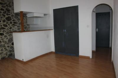 Location appartement Prades • <span class='offer-area-number'>27</span> m² environ • <span class='offer-rooms-number'>1</span> pièce