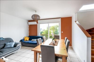 Vente maison St Renan • <span class='offer-area-number'>82</span> m² environ • <span class='offer-rooms-number'>5</span> pièces