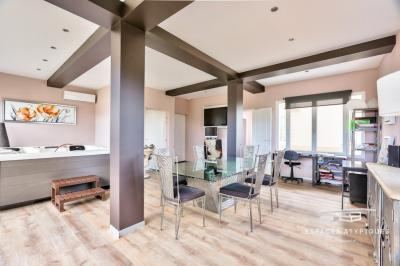 Vente appartement Saintes • <span class='offer-area-number'>261</span> m² environ • <span class='offer-rooms-number'>7</span> pièces