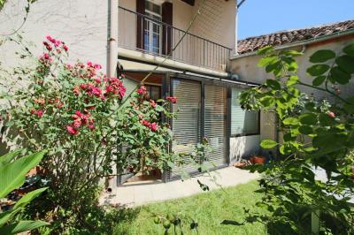 Vente maison Laguepie • <span class='offer-area-number'>114</span> m² environ • <span class='offer-rooms-number'>5</span> pièces