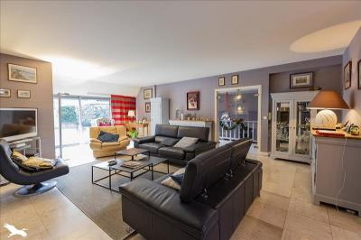 Vente maison Luz St Sauveur • <span class='offer-area-number'>250</span> m² environ • <span class='offer-rooms-number'>6</span> pièces