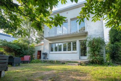 Vente maison La Celle St Cloud • <span class='offer-area-number'>110</span> m² environ • <span class='offer-rooms-number'>5</span> pièces