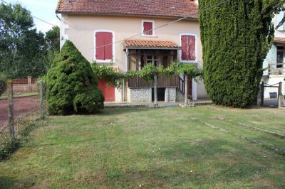 Vente maison Brioux sur Boutonne • <span class='offer-area-number'>75</span> m² environ • <span class='offer-rooms-number'>5</span> pièces