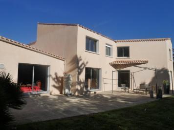 Villa Le Fenouiller • <span class='offer-area-number'>295</span> m² environ • <span class='offer-rooms-number'>6</span> pièces
