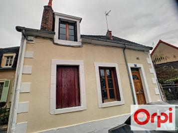 Vente maison St Amand Montrond • <span class='offer-area-number'>85</span> m² environ • <span class='offer-rooms-number'>5</span> pièces