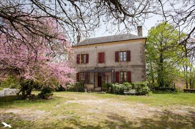 Achat maison St Leon sur Vezere • <span class='offer-area-number'>128</span> m² environ • <span class='offer-rooms-number'>4</span> pièces