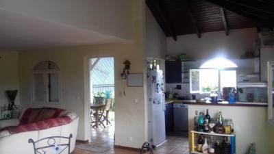 Vente villa Petit Bourg • <span class='offer-area-number'>135</span> m² environ • <span class='offer-rooms-number'>4</span> pièces