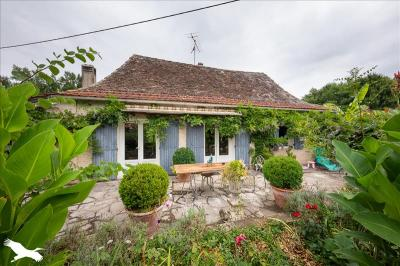 Vente maison Montpon Menesterol • <span class='offer-area-number'>95</span> m² environ • <span class='offer-rooms-number'>5</span> pièces