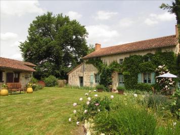 Maison Asnieres sur Blour • <span class='offer-area-number'>212</span> m² environ • <span class='offer-rooms-number'>4</span> pièces