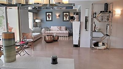 Vente appartement Nice • <span class='offer-area-number'>112</span> m² environ • <span class='offer-rooms-number'>3</span> pièces