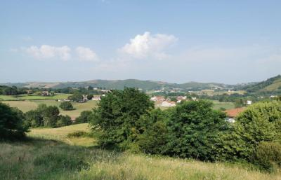 Vente terrain St Esteben • <span class='offer-area-number'>3 600</span> m² environ