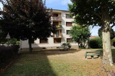 Vente appartement Les Clayes sous Bois • <span class='offer-area-number'>68</span> m² environ • <span class='offer-rooms-number'>4</span> pièces