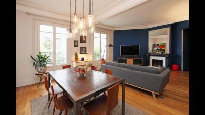 Achat appartement Paris 11 • <span class='offer-area-number'>84</span> m² environ • <span class='offer-rooms-number'>3</span> pièces