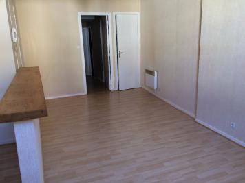Appartement Aurillac • <span class='offer-area-number'>50</span> m² environ • <span class='offer-rooms-number'>2</span> pièces