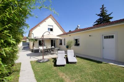 Vente maison Champigny sur Marne • <span class='offer-area-number'>147</span> m² environ • <span class='offer-rooms-number'>5</span> pièces