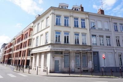 Location commerce Lille • <span class='offer-area-number'>70</span> m² environ • <span class='offer-rooms-number'>4</span> pièces