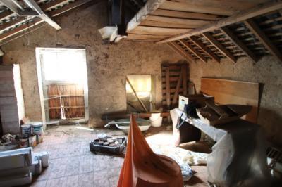 Vente maison Jarze • <span class='offer-area-number'>90</span> m² environ • <span class='offer-rooms-number'>2</span> pièces