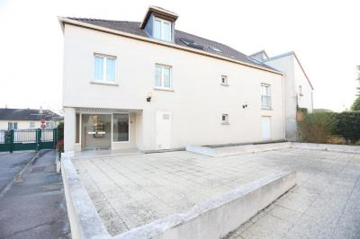 Vente appartement Neauphle le Chateau • <span class='offer-area-number'>83</span> m² environ • <span class='offer-rooms-number'>4</span> pièces